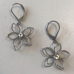 Jewelry - 🌸Flower Earrings